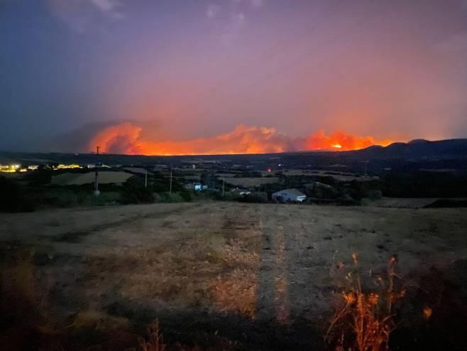 Požar na Sardiniji (Foto: Twitter)