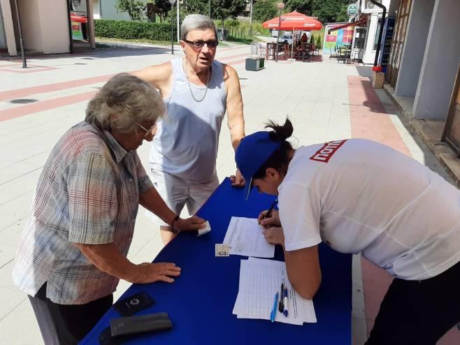 Источно Сарајево,Трново - потписивање петиције (фото: СРНА)