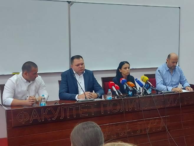 Ranka Perić Romić, Željko Budimir, Vlade Simović i Nevenko Vranješ - Foto: RTRS