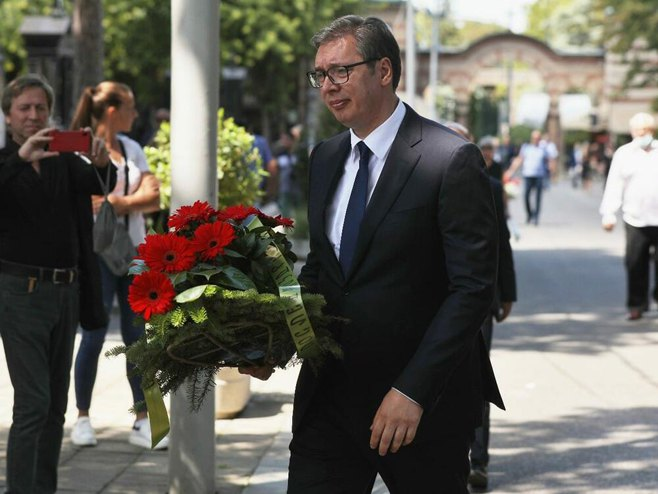 Aleksandar Vučić na sahrani Lazanskom (Foto: Tanjug/Stefan Stojanović)