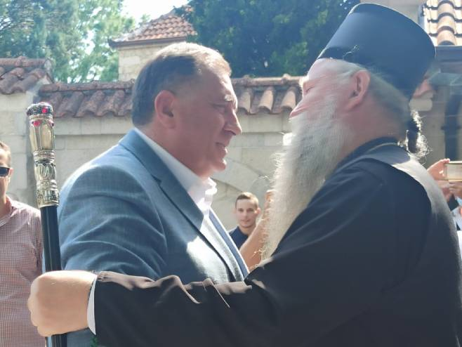Milorad Dodik i mitropolit Јoanikije
