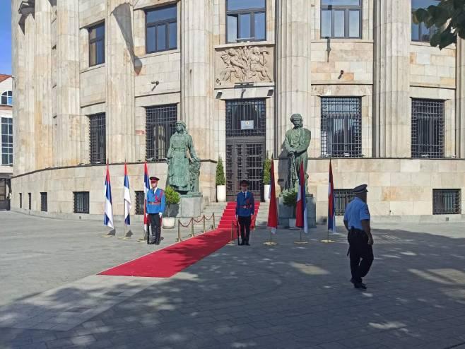 Pripreme za svečanu akademiju uoči Dana srpskog jedinstva