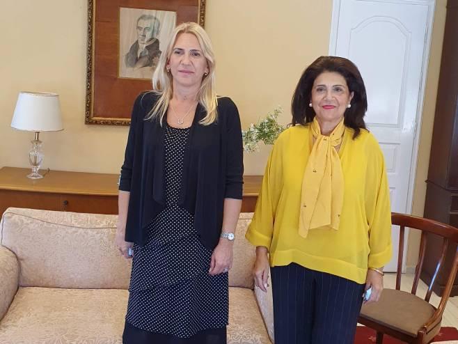 Жељка Цвијановић и Роди Краца Цагаропулу (фото: РТРС)
