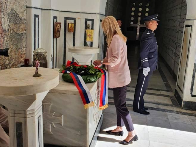 Цвијановић положила вијенац код Маузолеја српских ратника